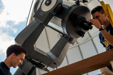 Students taking data at the telescope