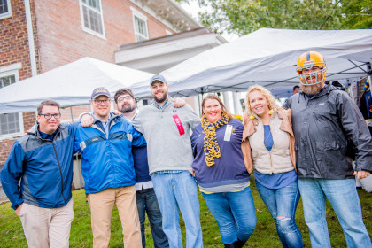 Alumni gather together for tailgating fun.