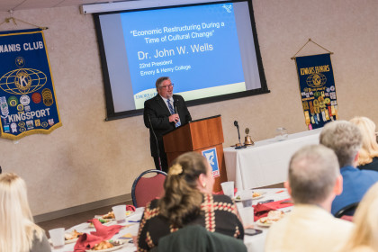 John Wells speaks in Kingsport, Tenn. with Kiwanis.