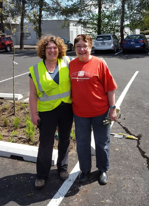 Sarah Gilman and Jo Ann English at their service site in Oregon.