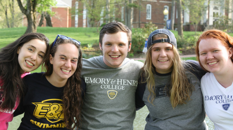 Honors students gather at the duck pond