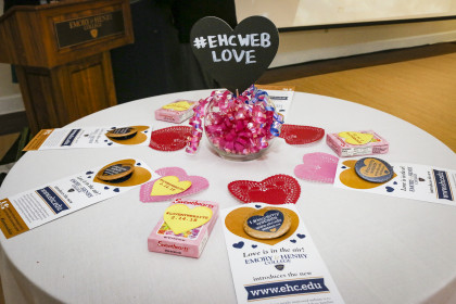 Table favors remind visitors to show some #EHCWebLove